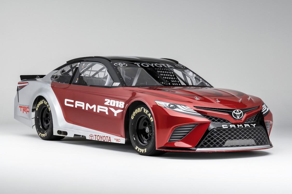 Voiture de course Toyota papiers peints photo