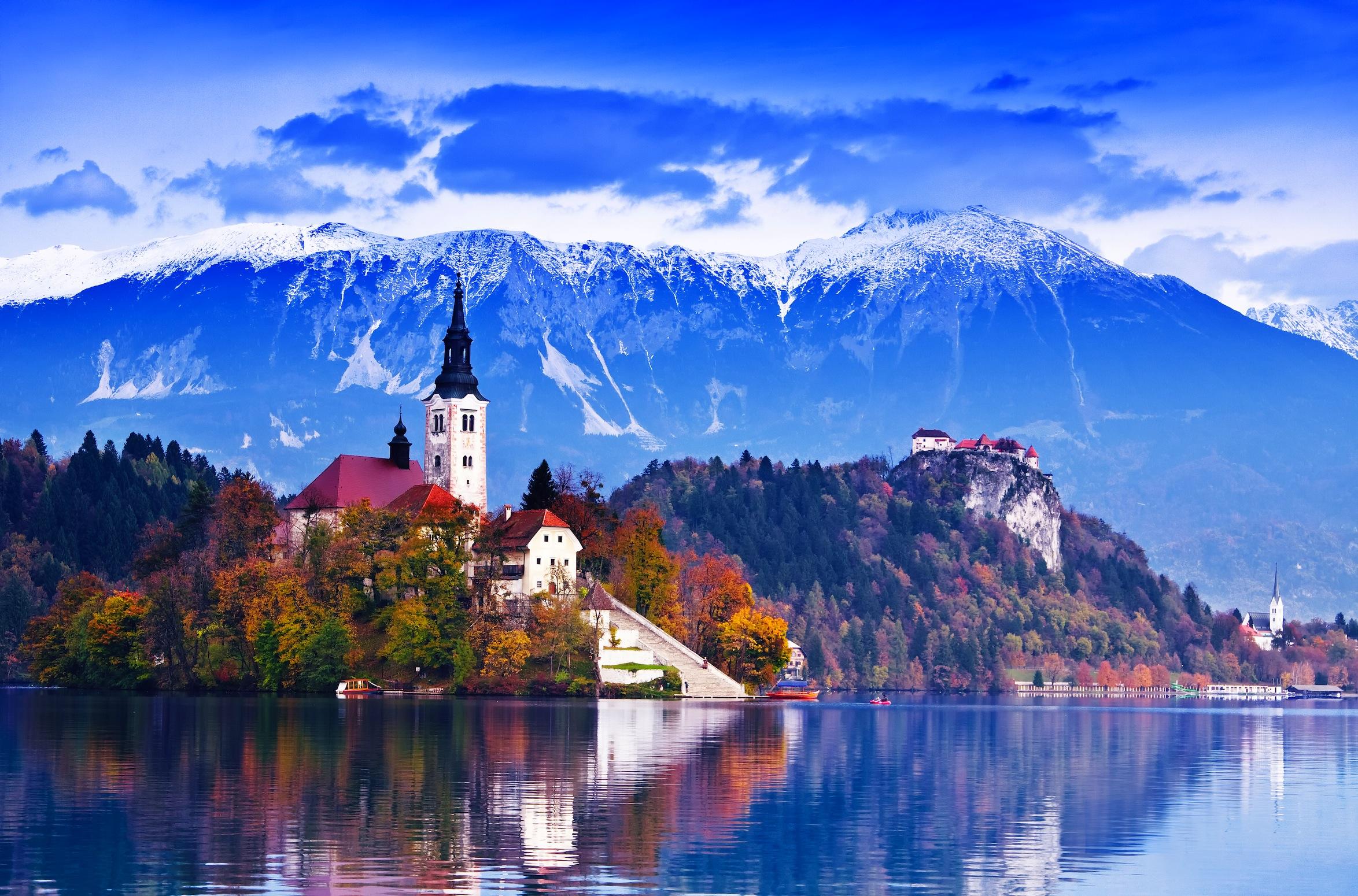 Lac de Bled en Slovénie papier peint 3d appliqué sur le mur