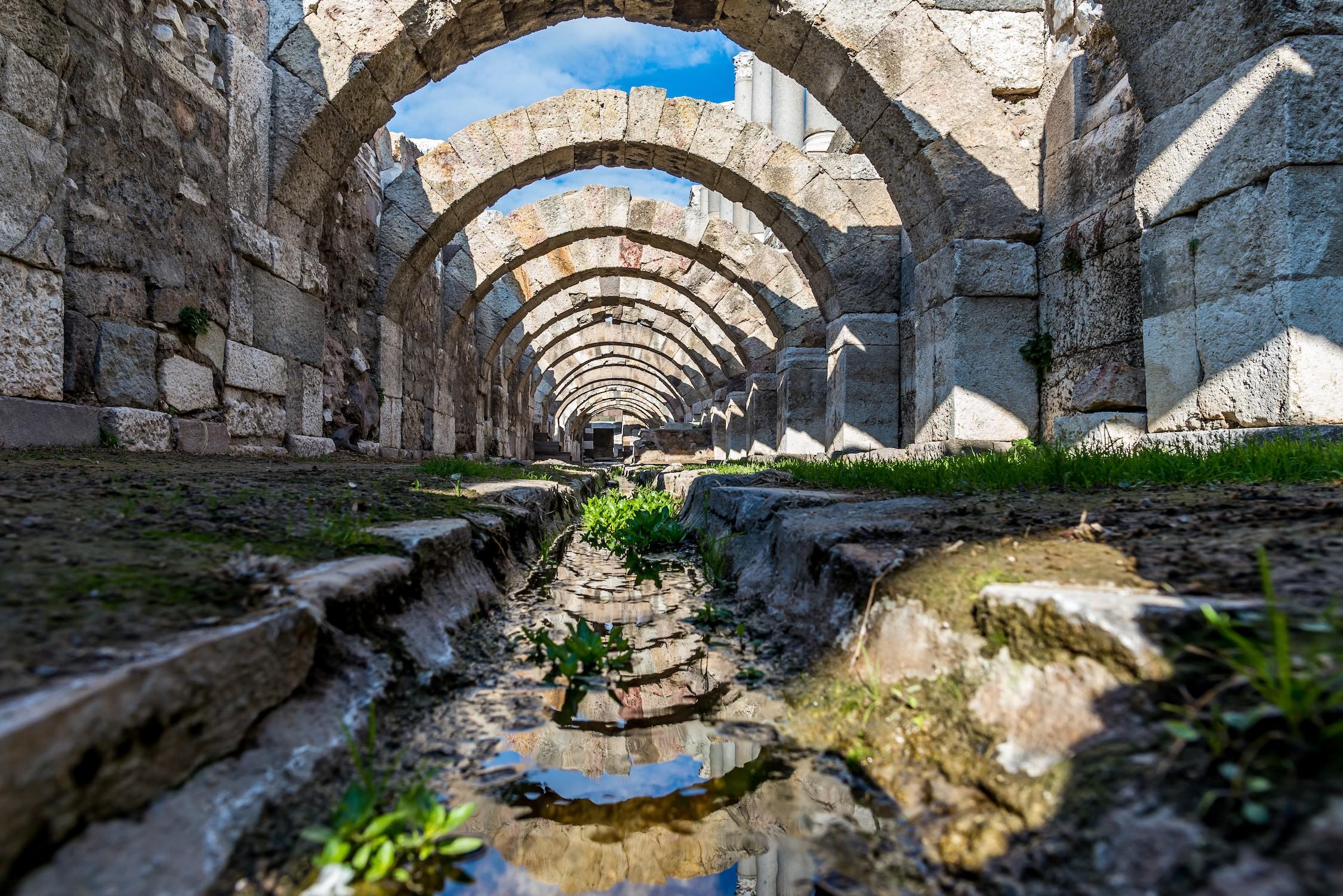 Ruines de l'Agora à Izmir tapisserie murale