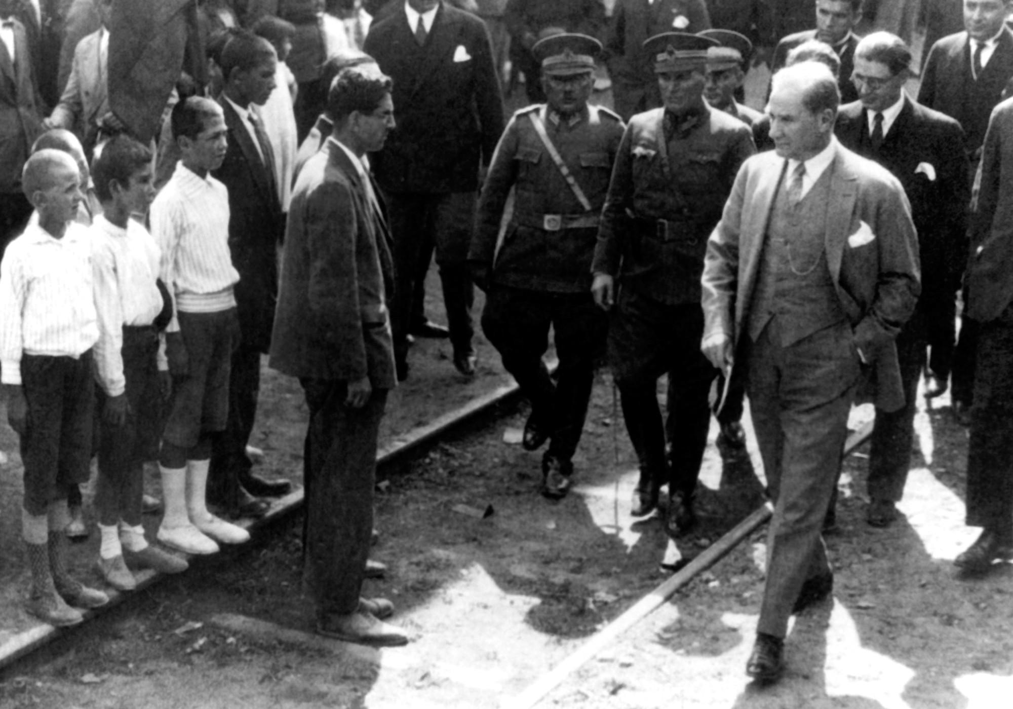 Atatürk à Pendik papiers peints photo